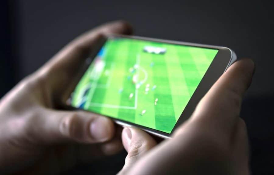 jak ogląda mecze online na telefonie